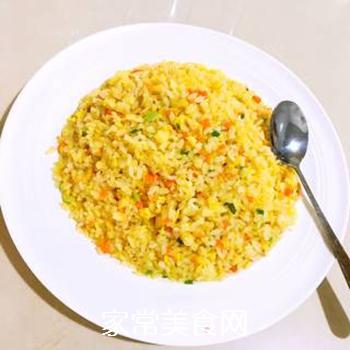葱油蛋炒饭的做法步骤:1