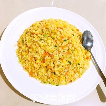 葱油蛋炒饭的做法