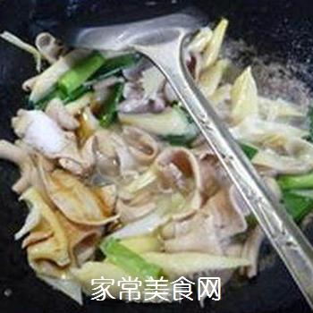 笋尖炒鹅肠的做法步骤:10