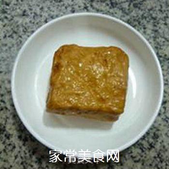 香干圣女果炒鸡胸肉的做法步骤:3