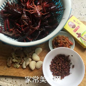 油焖大虾(香辣小龙虾)的做法步骤:1