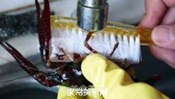 正宗潜江油焖大虾的做法步骤:1