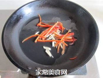 腐竹炒芹菜的做法步骤:3