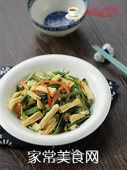 腐竹炒芹菜的做法