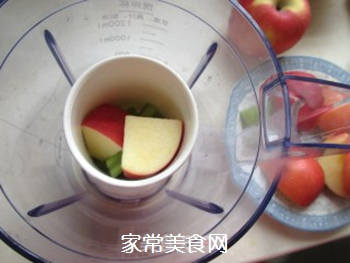 苹果蔬菜汁的做法步骤:4