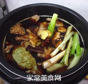 土豆烧牛肉的做法步骤:3