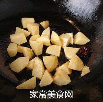 土豆烧牛肉的做法步骤:6