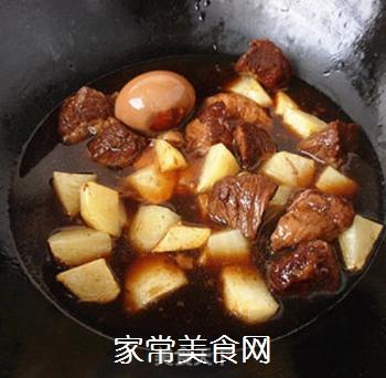 土豆烧牛肉的做法步骤:7