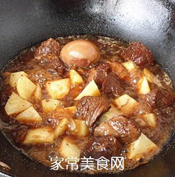 土豆烧牛肉的做法步骤:8