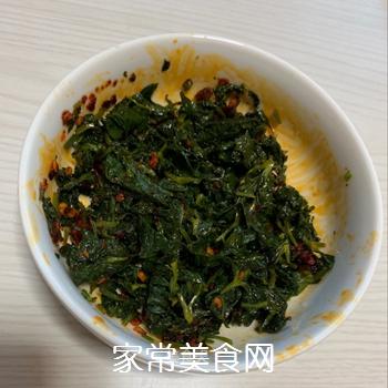 凉拌芹菜叶的做法
