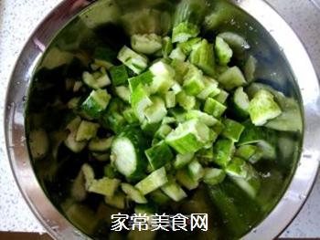 花生米拌黄瓜的做法步骤:3