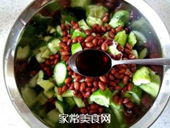 花生米拌黄瓜的做法步骤:9