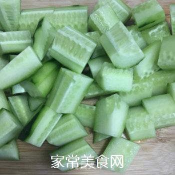 凉拌黄瓜的做法步骤:2