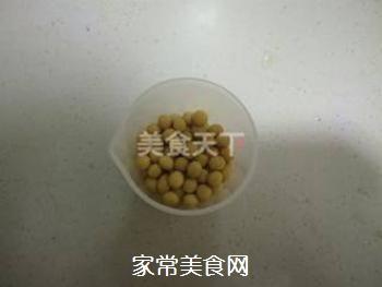 红豆薏米大枣豆浆的做法步骤:1