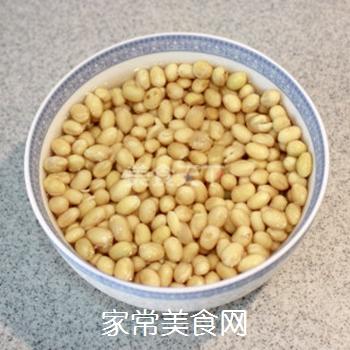 夏日清新美食-----卤煮黄豆的做法步骤:2
