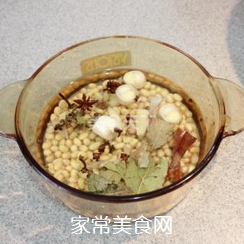 夏日清新美食-----卤煮黄豆的做法步骤:3