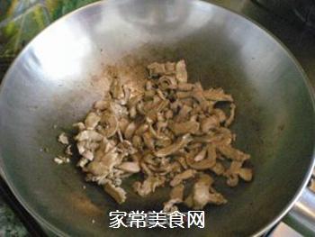 香菇酱卷春饼的做法步骤:6