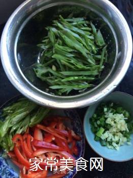 双椒扁豆的做法步骤:2