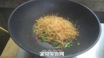 香酥土豆丝的做法步骤:11