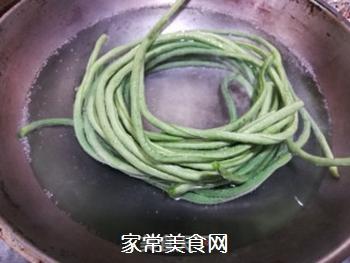 爽口拌豇豆的做法步骤:2