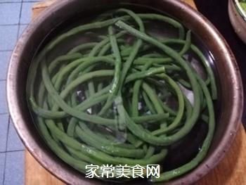 爽口拌豇豆的做法步骤:3