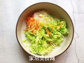 凉拌粉丝包菜的做法步骤:4