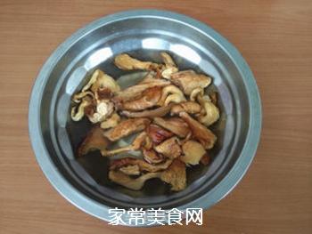 白蘑炒丝瓜的家常做法