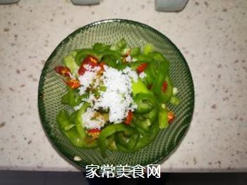 凉拌辣椒圈的做法步骤:3