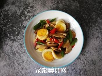 香菇辣椒炒鸡蛋的做法步骤:13