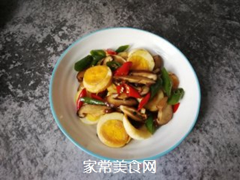 香菇辣椒炒鸡蛋的做法步骤:14