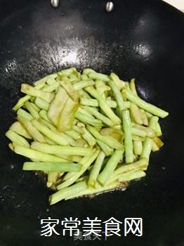 焖烧白豆角的做法步骤:5