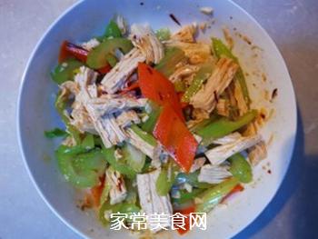 西芹拌腐竹的做法步骤:8
