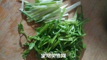 凉拌金针菇的做法步骤:4