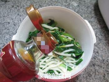 茭白拌鸡毛菜的做法步骤:8