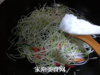 素炒绿豆芽的做法步骤:7