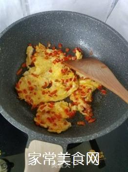 红椒煎蛋的做法步骤:6