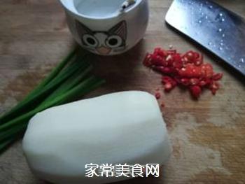 韭菜花炒藕条的做法步骤:2