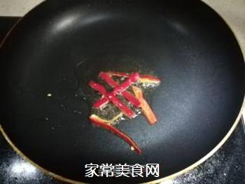 韭菜花炒藕条的做法步骤:3