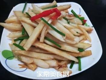 韭菜花炒藕条的做法步骤:7