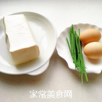 鸡蛋刨豆腐的家常做法