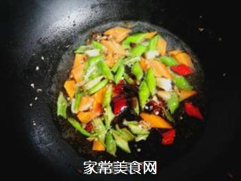 尖椒烧豆腐的做法步骤:6