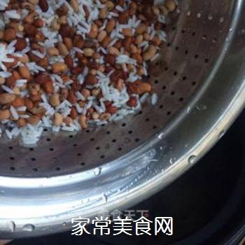 银耳红枣水果粥的做法步骤:3