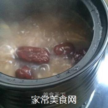银耳红枣水果粥的做法步骤:7