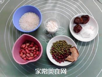 酸甜甘润的陈皮梅花生粥的做法步骤:1
