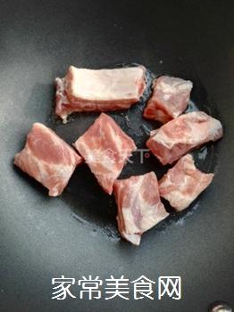 土豆蘑菇炖排骨#御寒美食#的做法步骤:3