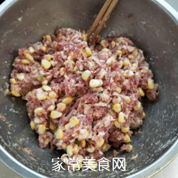 玉米鲜肉饺子的做法步骤:3
