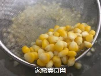 快手玉米派的做法步骤:1