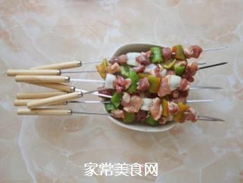 五彩蔬菜肉串的做法步骤:3