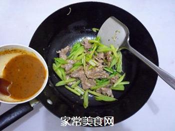 芹菜炒肉片的做法步骤:12
