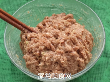 【天津】菠菜丸子汤的做法步骤:1